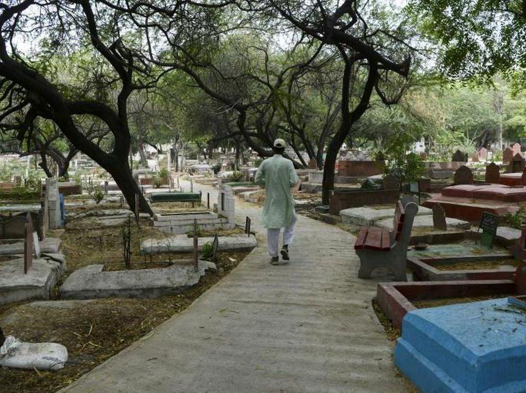 Cerita Penggali Kubur di India Susah Tidur Gegara Mayat Pasien Corona
