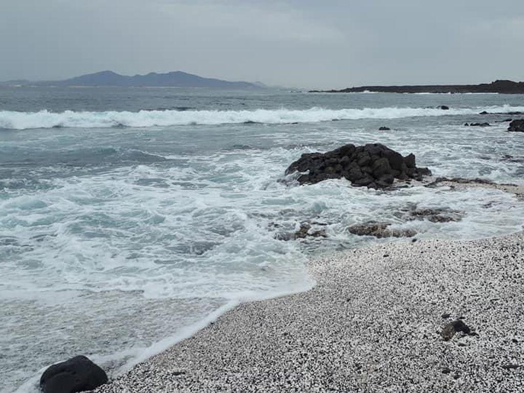 Turis Boleh Datang ke Kepulauan Canaria, tapi Ada Syaratnya