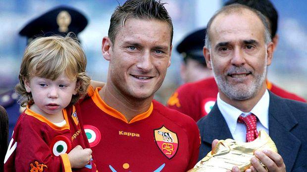 Francesco Totti berhasil meraih gelar sepatu emas di musim 2006/2007 (Photo by NewPress/Getty Images)