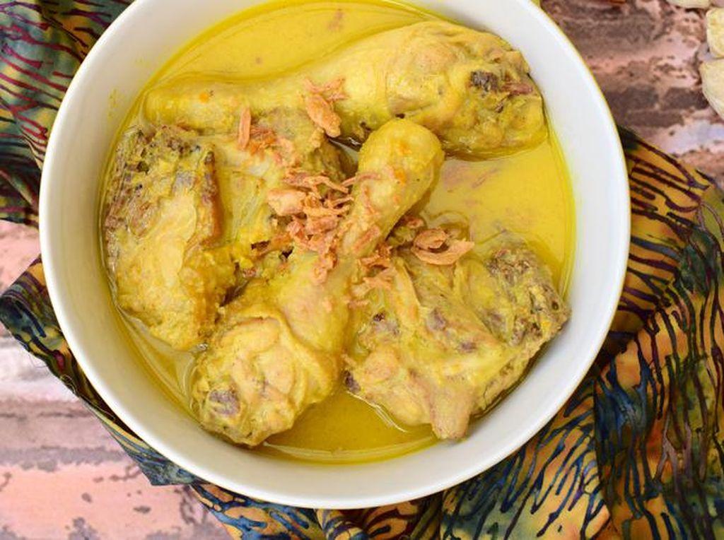 5 Tips Membuat Opor Ayam Lebaran yang Sedap