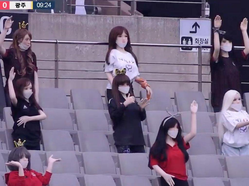 Suporter Manekin atau Boneka Seks? FC Seoul Tetap Minta Maaf