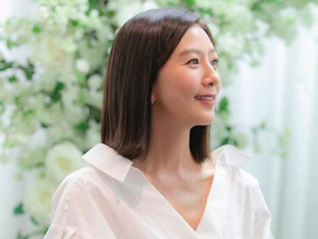 Kim Hee Ae Gabung D.O EXO Bintangi Film Tentang Luar Angkasa