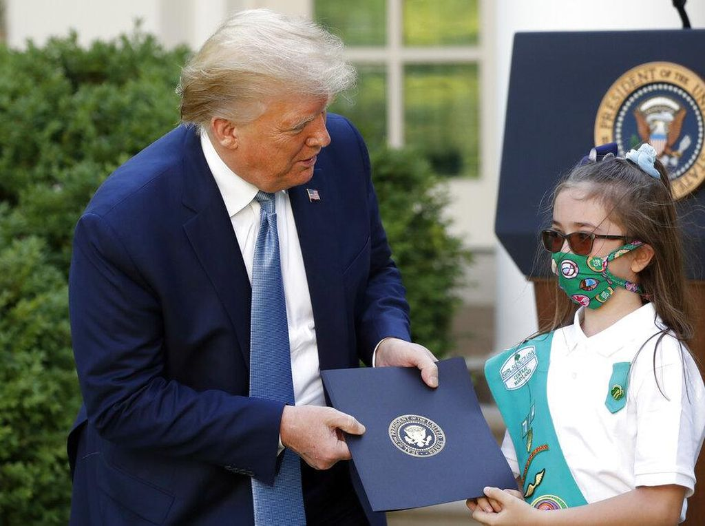 Ironi Trump Buka Sekolah Saat Kasus Corona Tembus 3 Juta