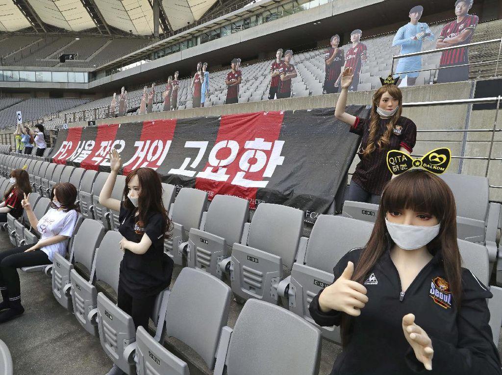 Viral Boneka Seks Penuhi Stadion, FC Seoul: Niatnya Cuma Hiburan