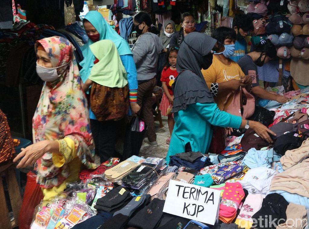 Video Pasar Minggu Jakarta Diserbu Warga, Satpol PP Turun Tangan