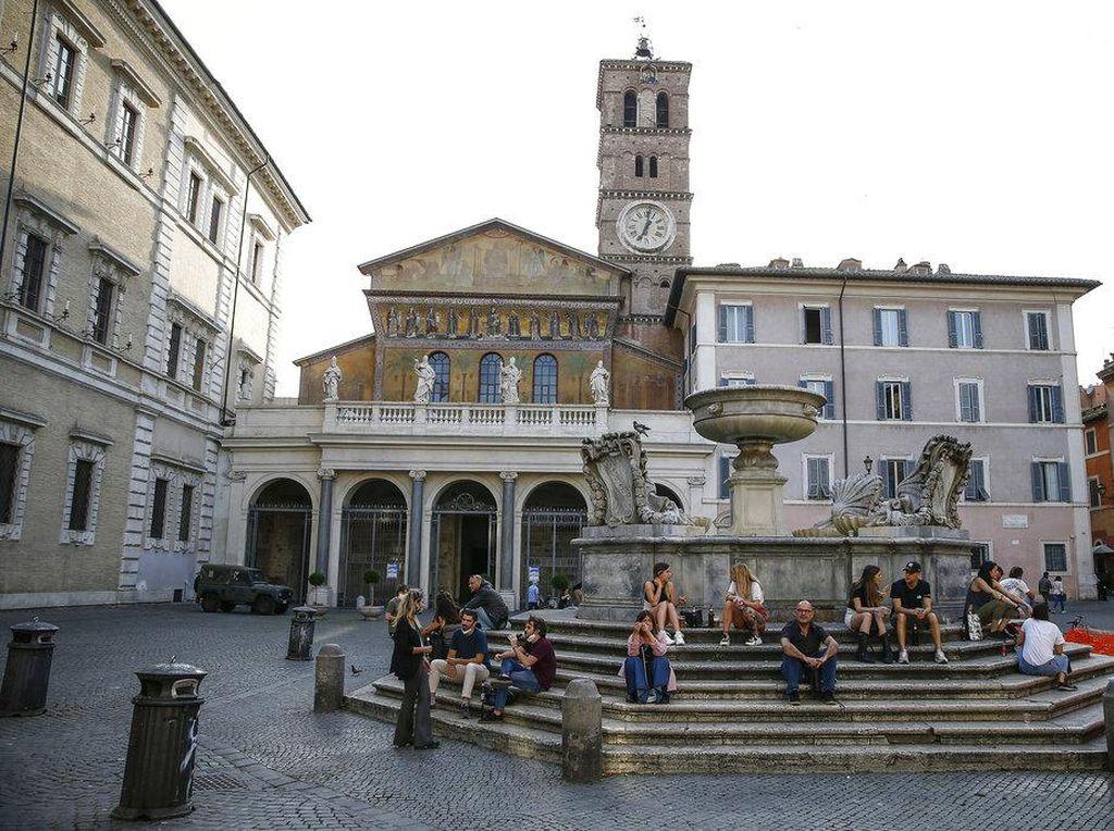 Tekan Penularan Corona, Pemerintah Italia Akan Berlakukan Pembatasan Baru