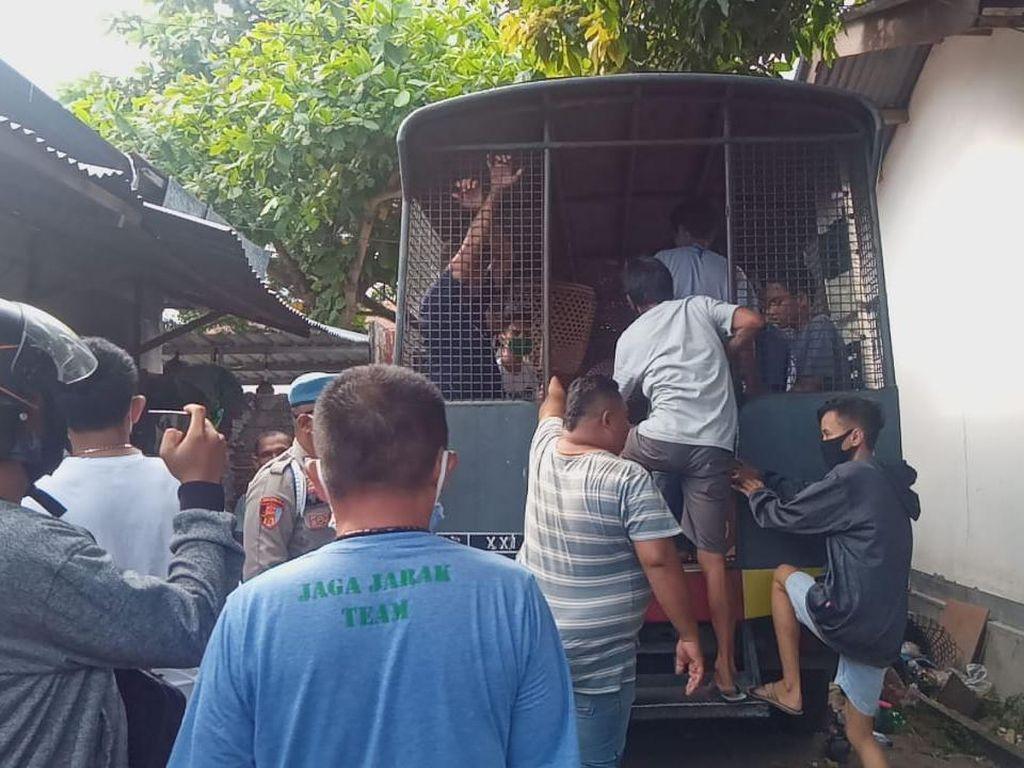Judi Sabung Ayam di Tengah Pandemi, 8 Orang di Mataram Ditangkap