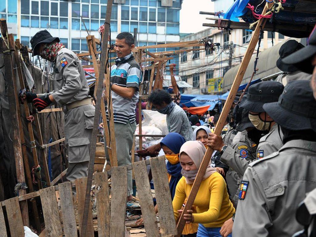 Akhirnya Satpol PP Bongkar Lapak PKL Pasar Anyar Bogor