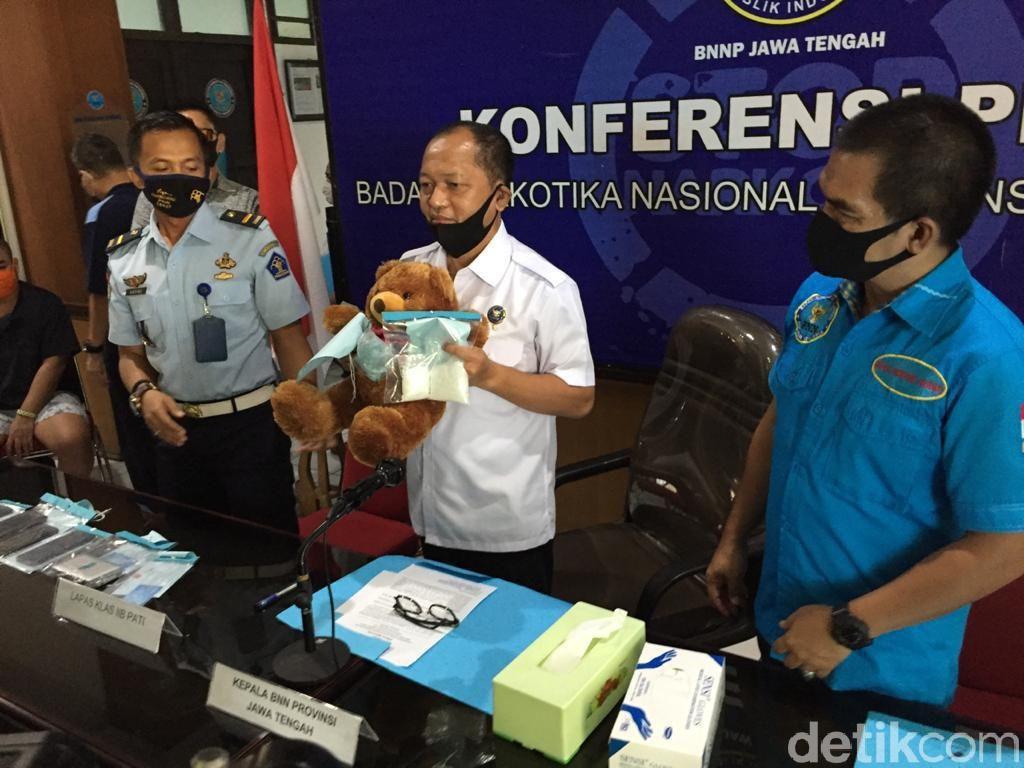 Kurir Ini Sembunyikan Sabu di Boneka Beruang dan Akali PSBB di Jakarta