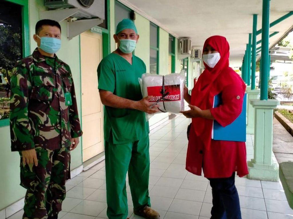 Penuhi Kebutuhan APD untuk Tenaga Kesehatan di Padang