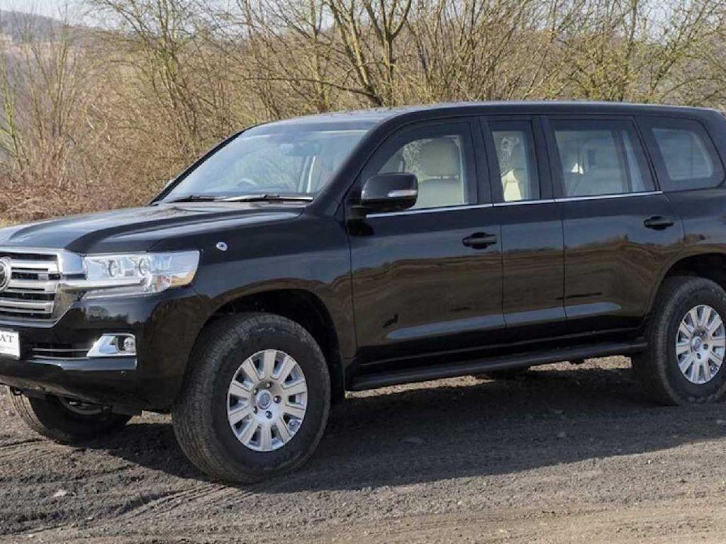 Modifikasi Toyota Land Cruiser untuk Pejabat
