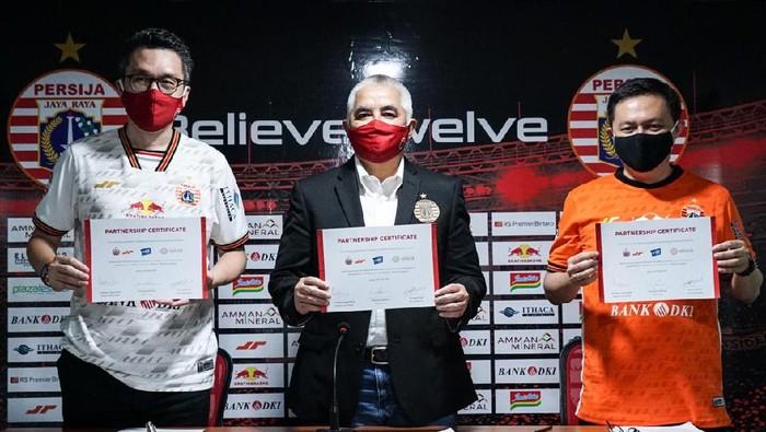 Persija Jakarta meluncurkan aplikasi.