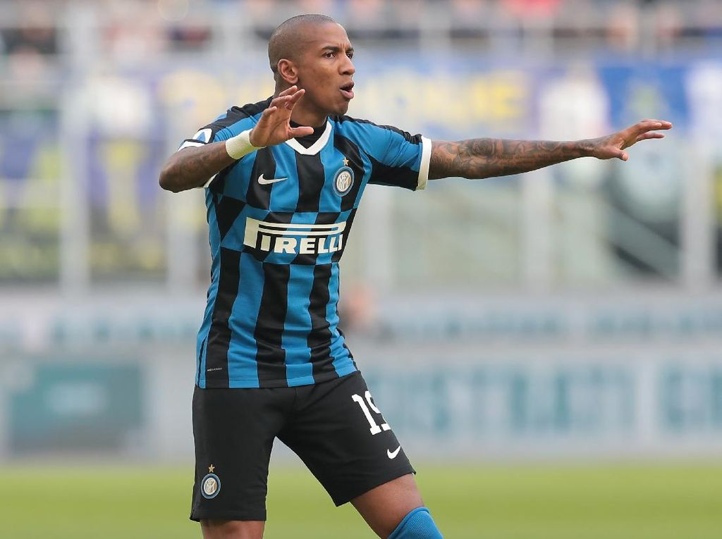 Kasus Corona Lagi di Inter Milan: Ashley Young Positif COVID-19