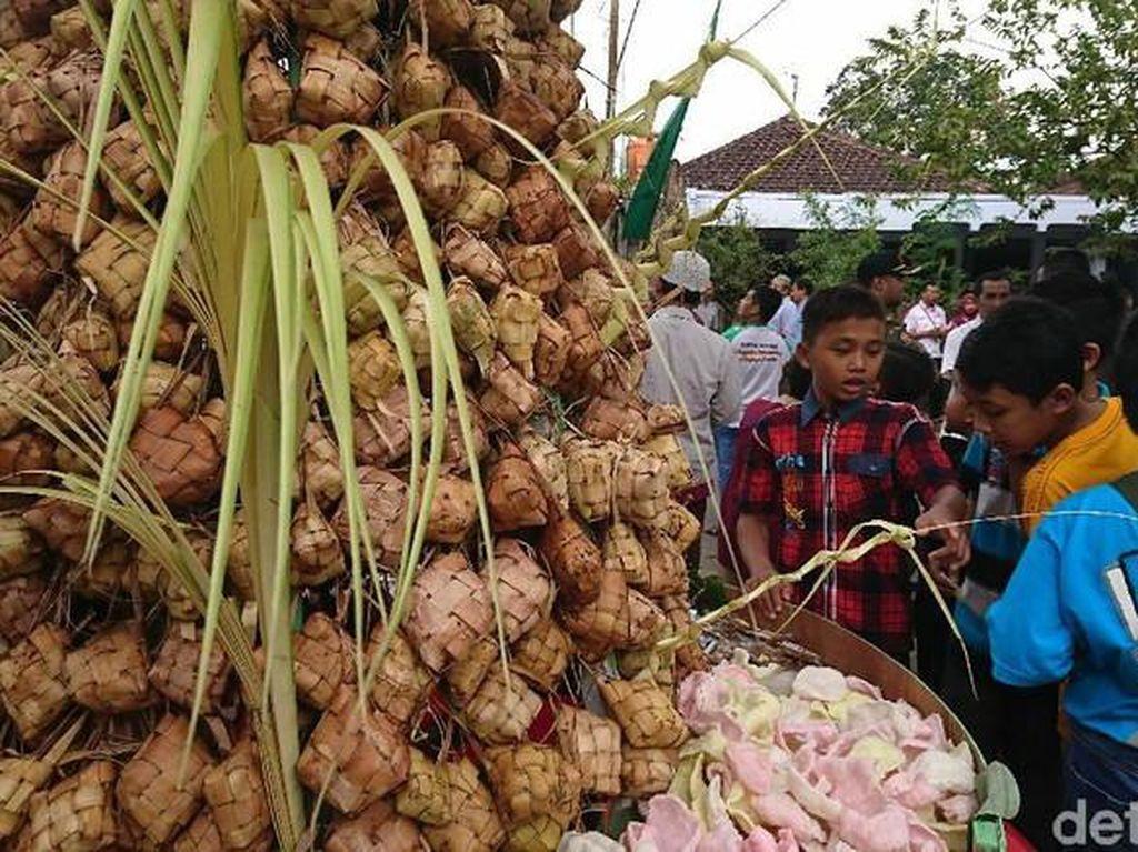 Sebelum COVID-19, Ini Kemeriahan Tradisi Lebaran Ketupat di Lombok
