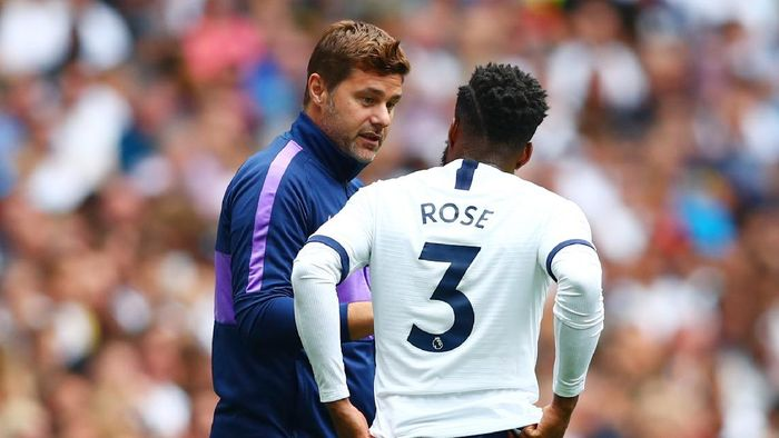 LONDON, ENGLAND - AUGUST 04:  Danny Rose of Tottenham Hotspur speaks with manager Mauricio Pochettino during the 2019 International Champions Cup match between Tottenham Hotspur and FC Internazionale at Tottenham Hotspur Stadium on August 04, 2019 in London, England. (Photo by Dan Istitene/Getty Images)
