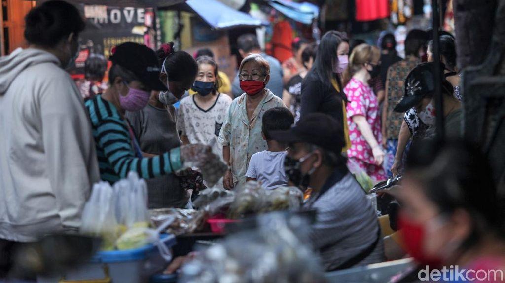 Hiruk Pikuk Aktivitas Warga di Pasar Tanah Sereal