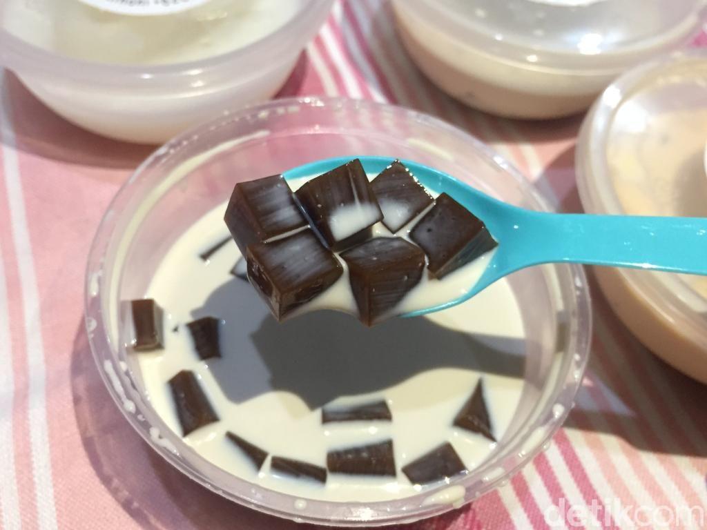 Ninoni: Seger Banget! Buka Puasa Pakai Coffee Jelly dan Almond Pudding