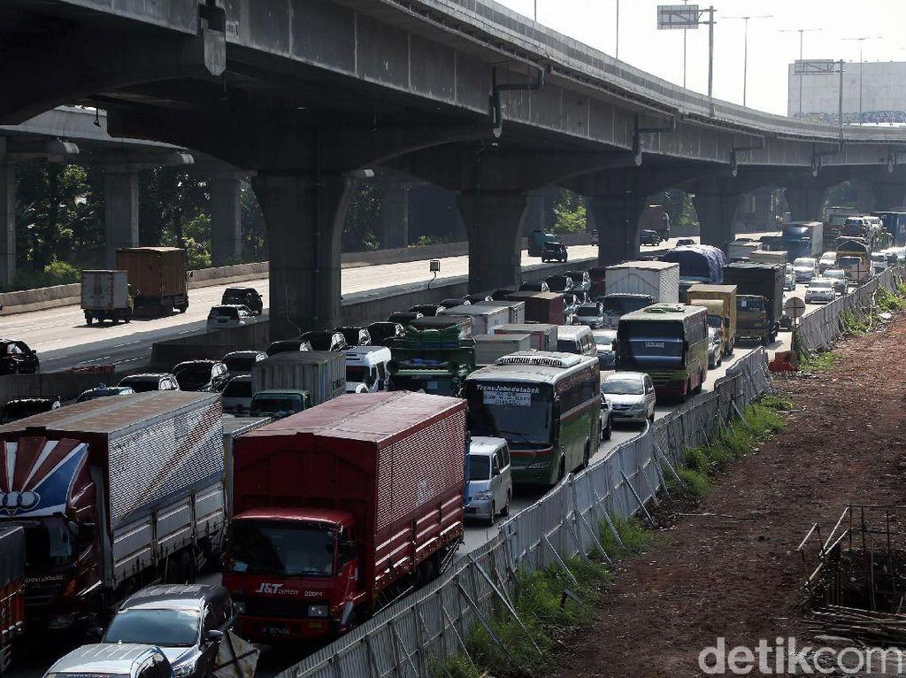 214.014 Kendaraan Tinggalkan Jakarta Via Tol Sejak H-7 Lebaran