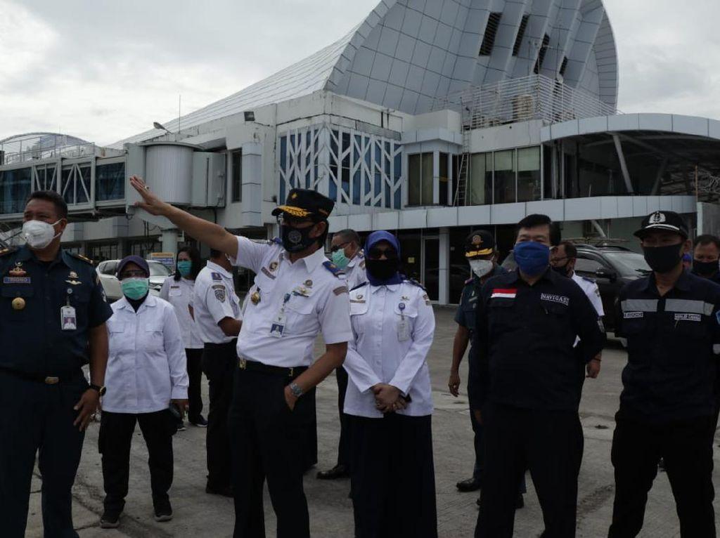 Jelang Lebaran, Kemenhub Monitoring Pelabuhan Makassar Atasi COVID-19