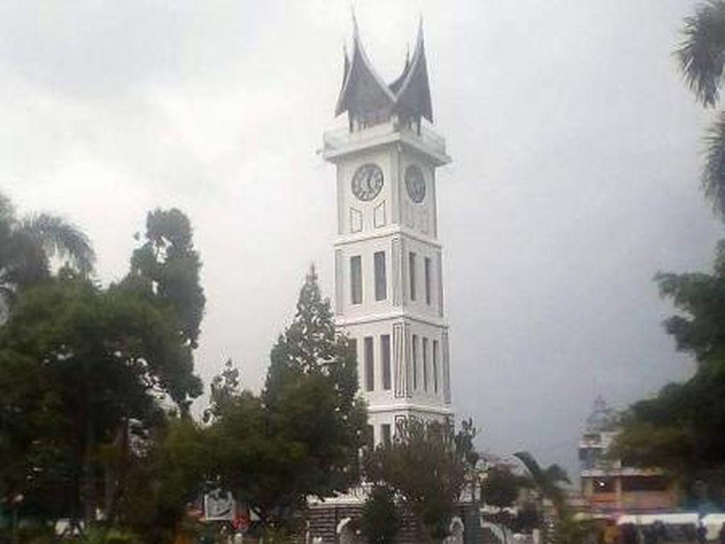 Foto: Jam Gadang, Saksi Bisu Sejarah Bukittinggi