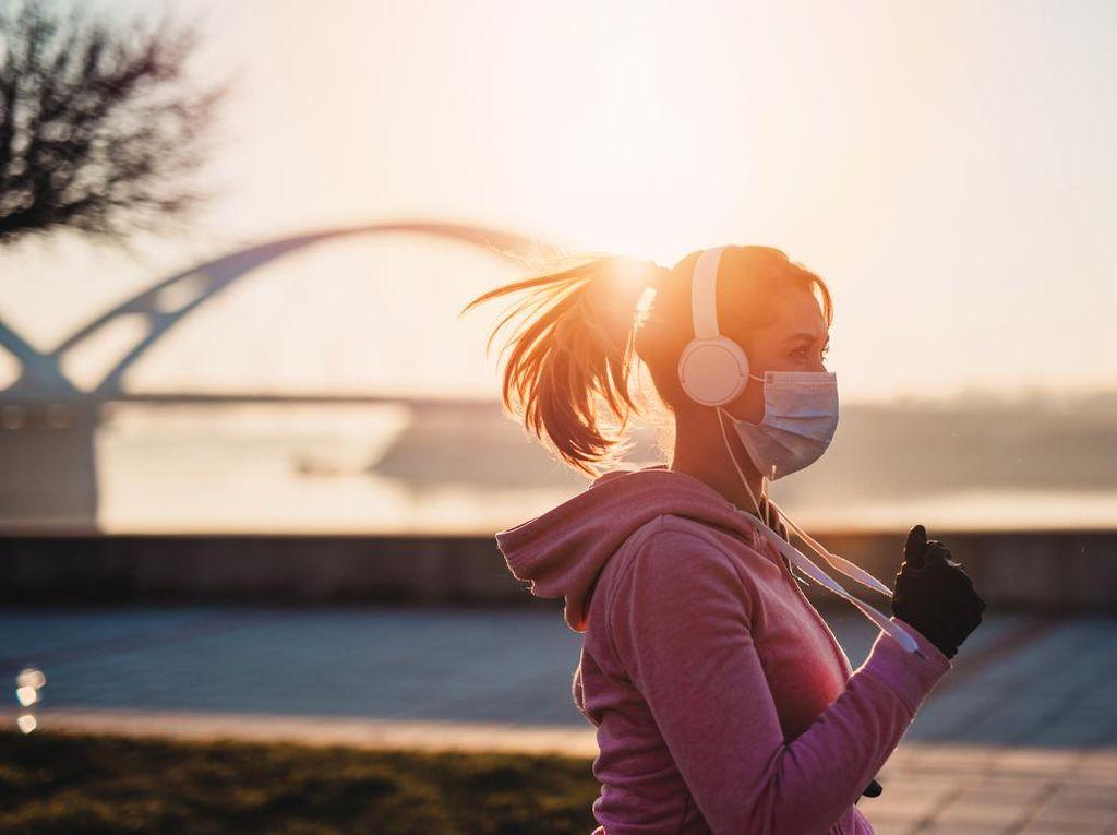 Pengunjung GBK Wajib Pakai Masker, Ini Tips Biar Tak Engap Saat Olahraga