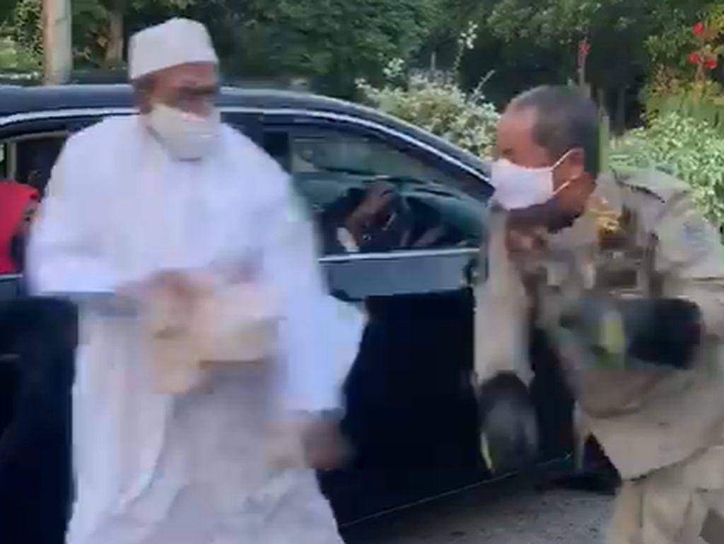 Kisah Habib Assegaf: Langgar PSBB, Lawan Petugas hingga Akhirnya Dilaporkan