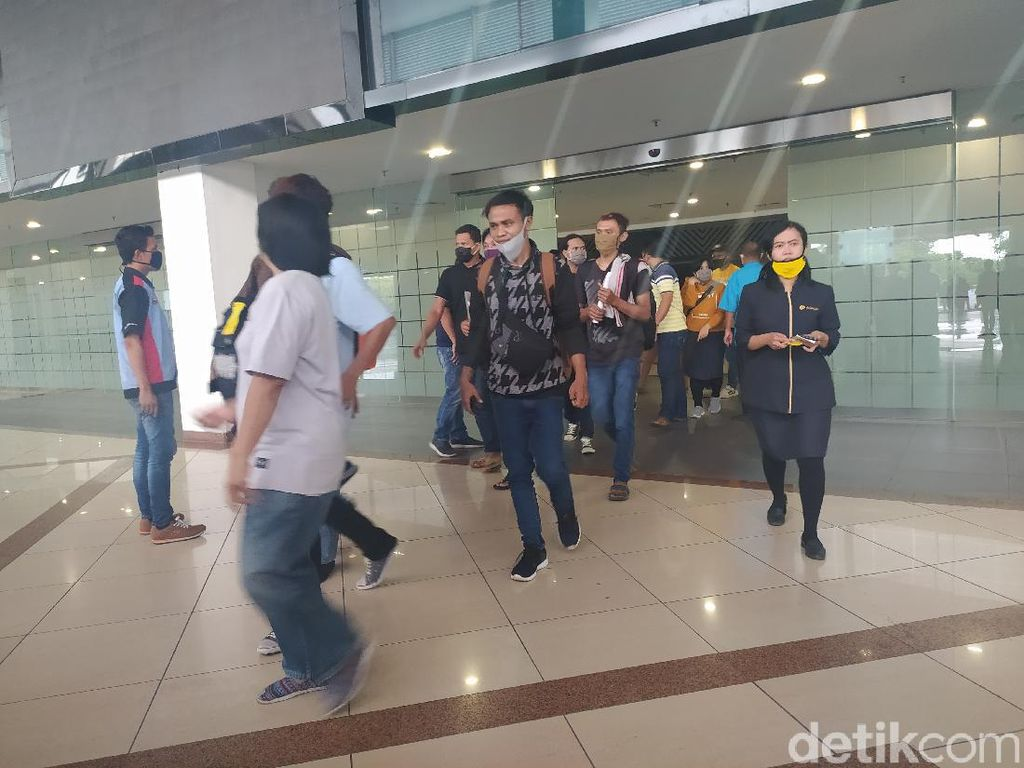 H-3 Lebaran, Bandara Juanda Mulai Ramai Penumpang