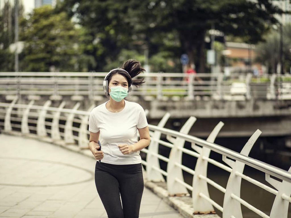 Tak Bikin Paru-paru Kolaps, Olahraga di Luar Tetap Perlu Pakai Masker
