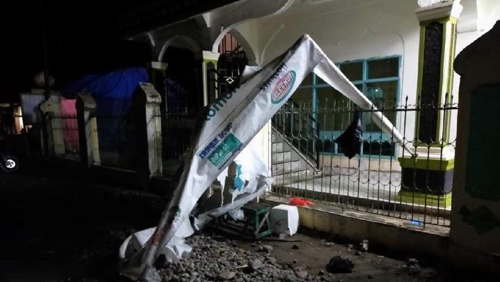 Posko Corona di Luwu, Sulsel, dirusak kaka-beradik.