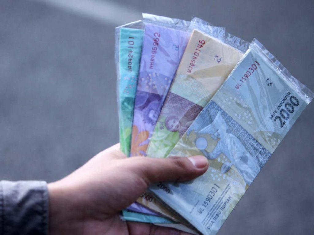 Jelang Lebaran, Jasa Tukar Uang Menjamur di Bandung