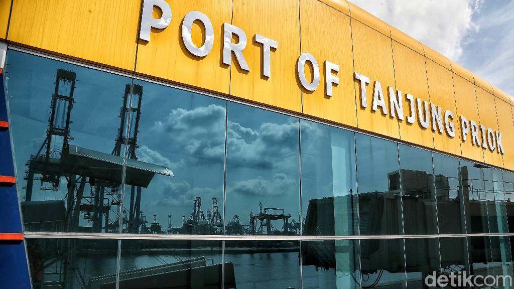 Potret Pelabuhan Tanjung Priok yang Sunyi Sepi