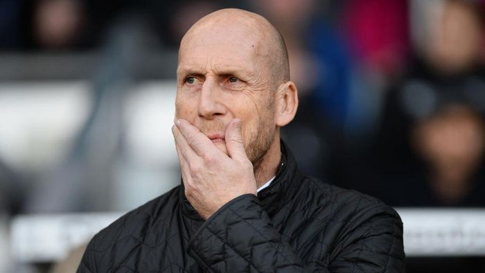 DERBY, ENGLAND - NOVEMBER 04: Jaap Stam manager of Reading looks on during the Sky Bet Championship match between Derby County and Reading at iPro Stadium on November 4, 2017 in Derby, England. (Photo by Nathan Stirk/Getty Images)