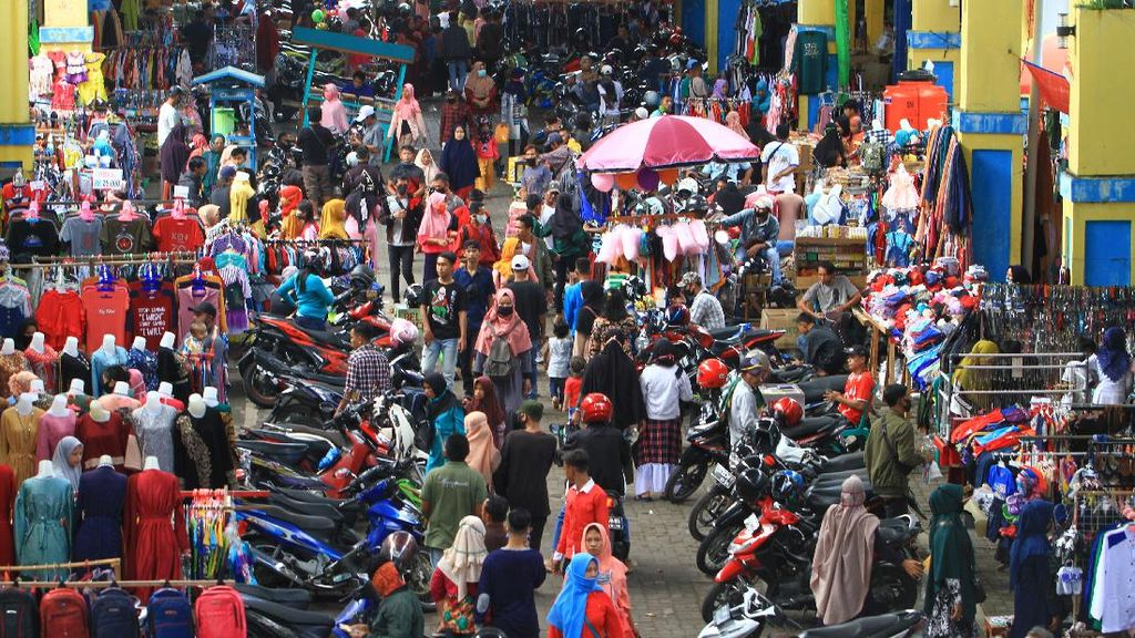 Pasar Tradisional di Pontianak juga Dijejali Warga