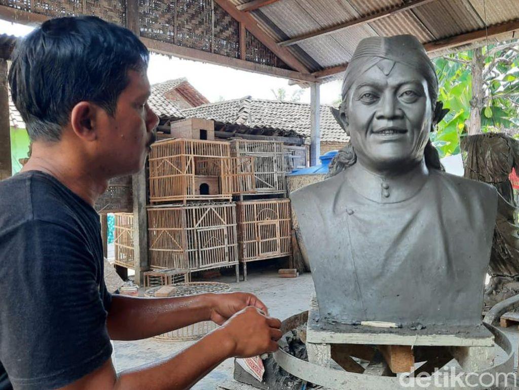 Fans Didi Kempot Ini Bikin Patung Idolanya untuk Keluarga dan Dilelang