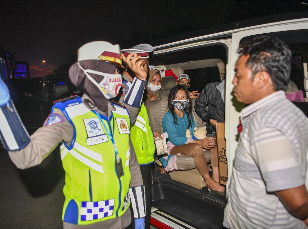 Mereka yang Terpaksa Nekat Pulang Kampung Saat Larangan Mudik