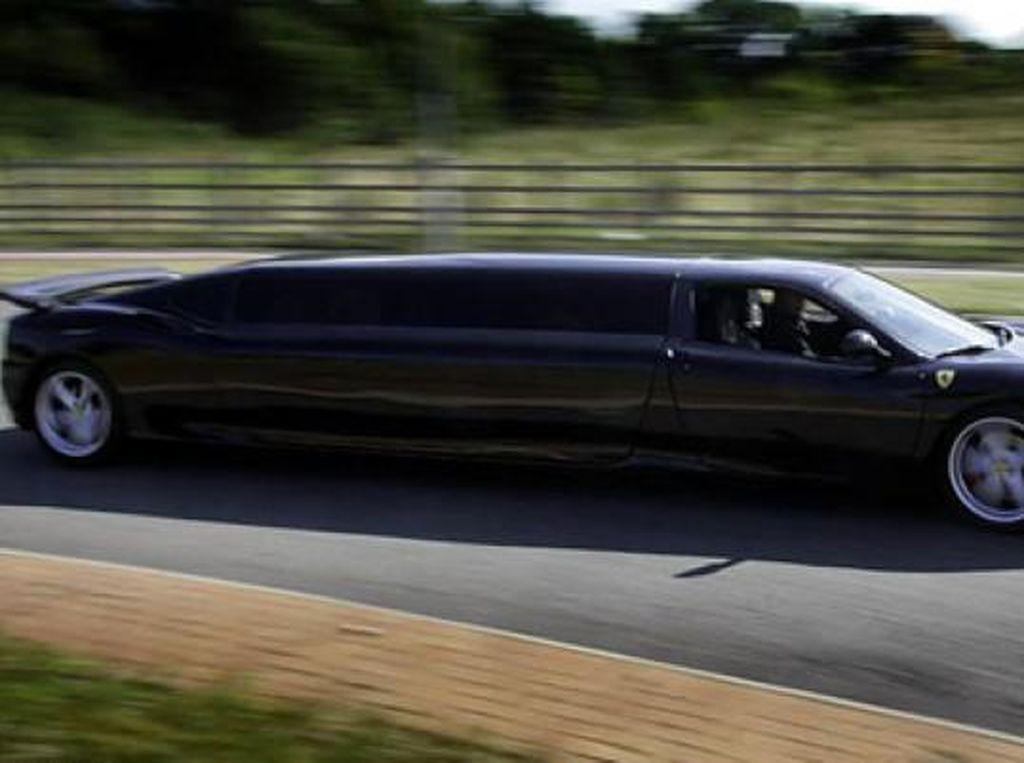 Ketika Ferrari Menjadi Mobil Limosin untuk Orang Miskin