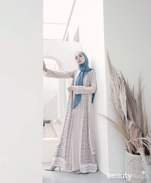 Tren 2020 Model Gamis Lebaran Ala Influencer Cantik Indonesia
