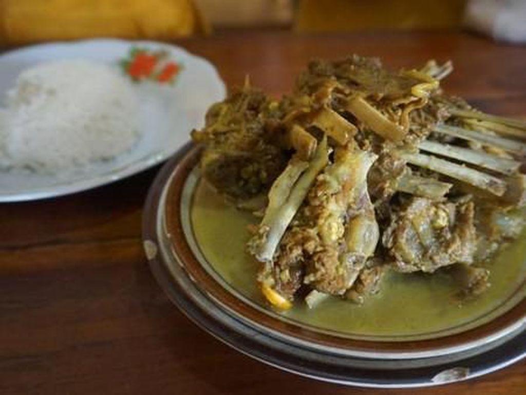 Tengkleng hingga Serabi, 5 Kuliner Solo yang Bikin Kangen