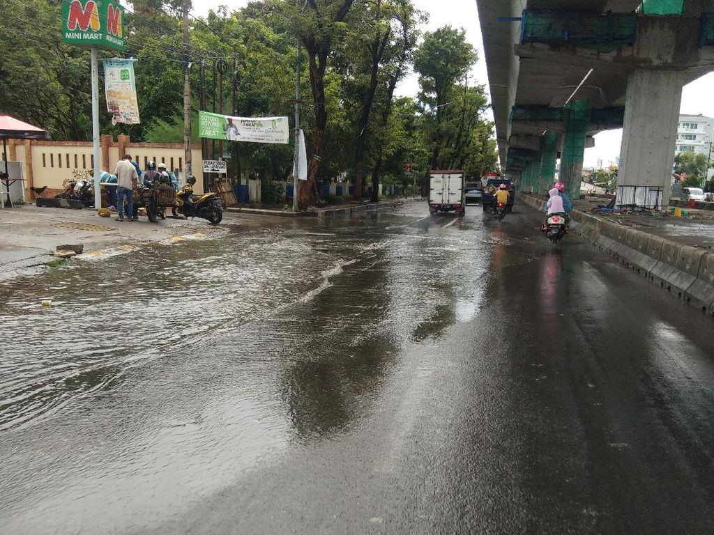 Curah Hujan Tinggi Diprediksi Akan Landa Makassar, Warga Diminta Siaga Banjir