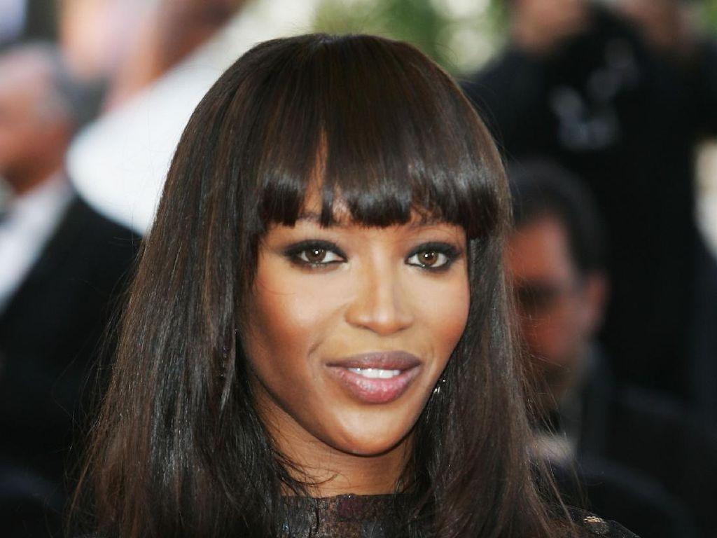 Duh! Naomi Campbell Dituntut Uang Miliaran Rupiah oleh Mantan Kekasih