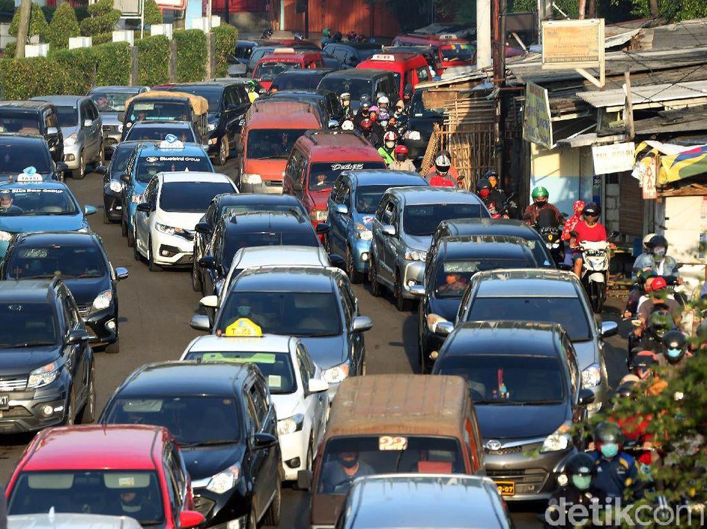 Lockdown Dilonggarkan, Kemacetan di Kota Manila Kembali Lagi