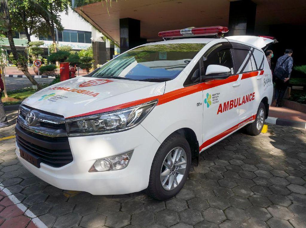 Perangi Corona, Innova Disulap Jadi Ambulans
