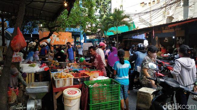 Pasar Palmerah Jakarta Ramai Orang Belanja Jelang Lebaran