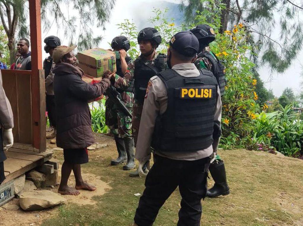 Duka 2 Tim Gugas Tugas Ditembak KKB di Papua Saat Antar Obat Corona