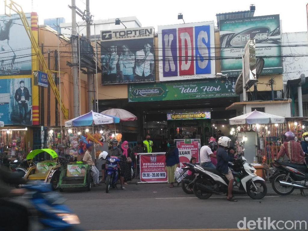 Jelang Lebaran, Bupati Situbondo Tutup Pusat Perbelanjaan 2 Hari