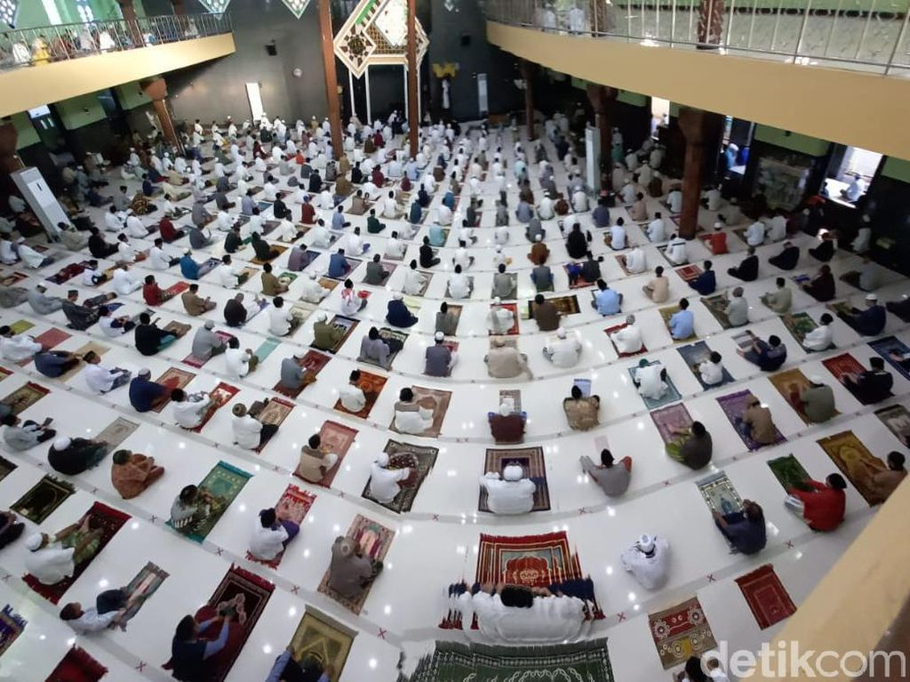 Cegah Penularan Corona, DMI Usul Salat Idul Adha 2 Gelombang di Masjid