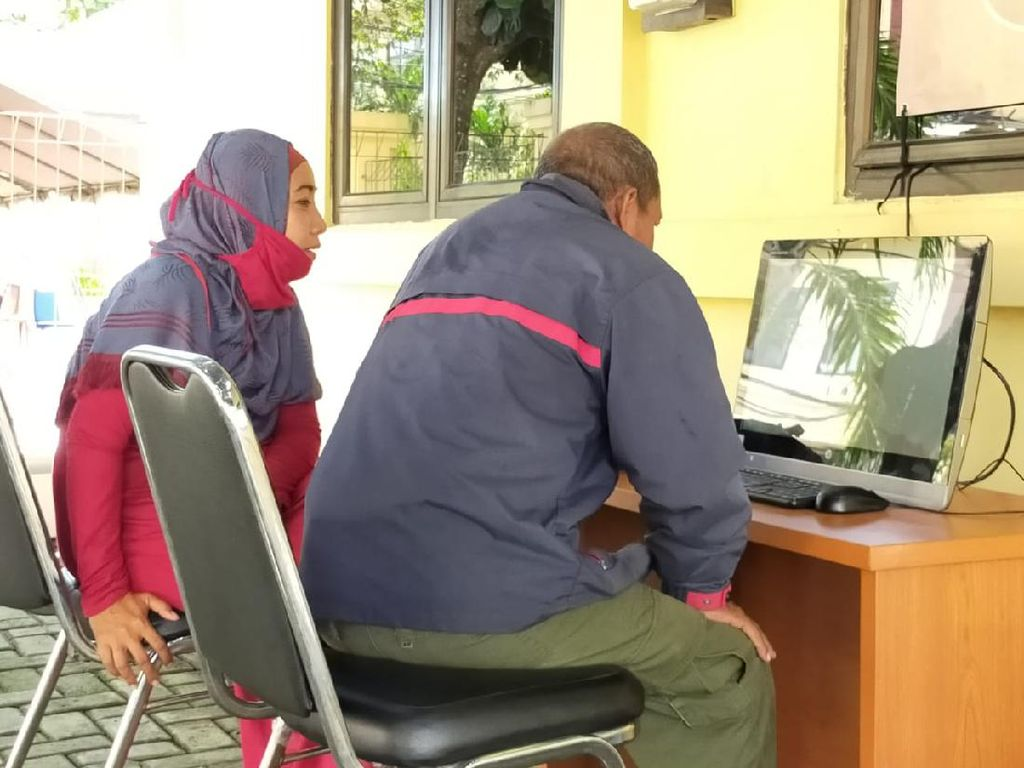 Lebaran di Tahanan, Pembesuk Rutan Polda Banten Gunakan Aplikasi Zoom