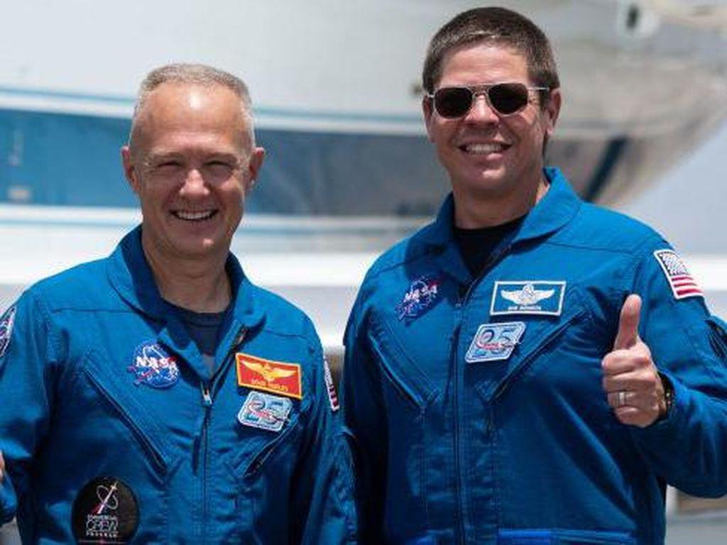 Astronaut NASA Bakal Ukir Sejarah Terbang Pakai Roket SpaceX