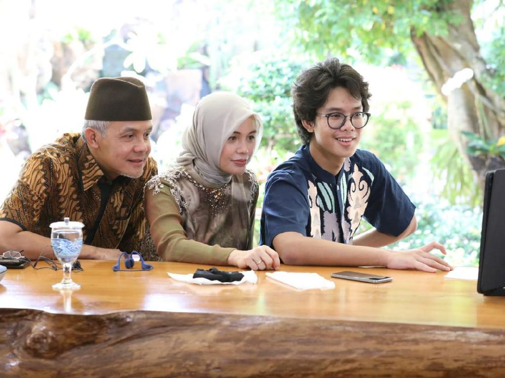 Ikut Open House Virtual, Warga ke Ganjar: Alhamdulilah THR yang Mudik
