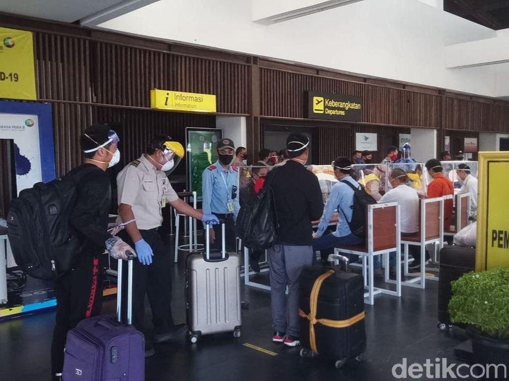 150 TKA China Dipulangkan Lewat Bandara Banyuwangi